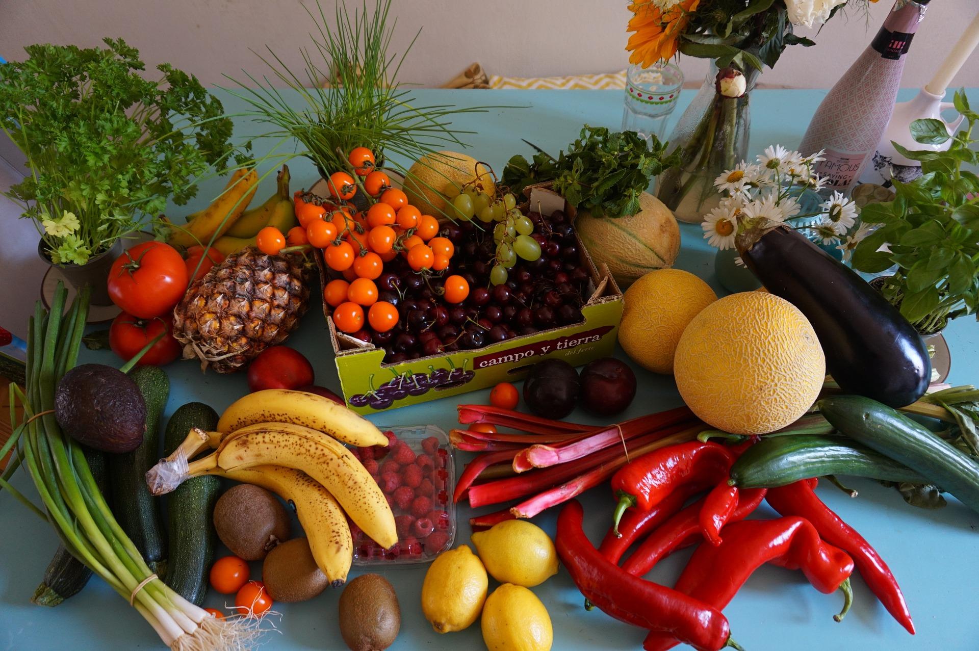 Cum spalam corect fructele si legumele – idei si precautii
