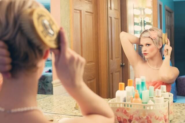 Mamele raman femei: se machiaza, se ingrijesc, se parfumeaza, calatoresc