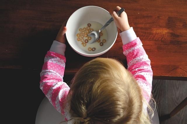 O mamă povestește despre anorexia copiilor