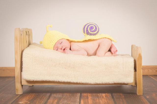 8 lucruri importante pe care trebuie să le iei când pleci cu bebe în vacanță