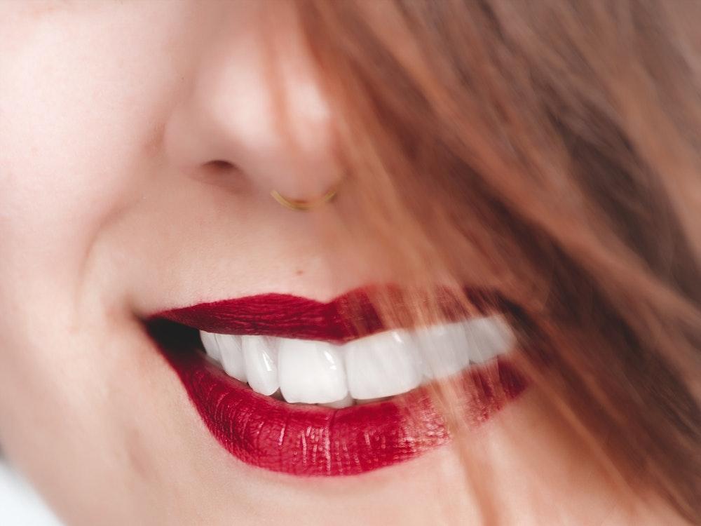 soluții cosmetică dentară